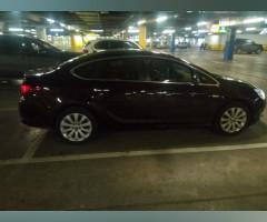 Продам Opel Astra J рестайлинг, седан 4 дв
