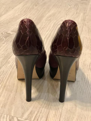 Продаю новые туфли Fendi - 2