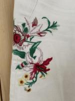 Джинсы с вышивкой Zara